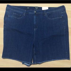 NYDJ CURVES 360 Frayed Denim SHAPE Shorts 28 NWT